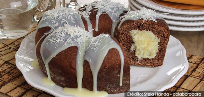 Rosca de chocolate com coco